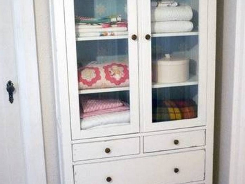 Bathroom Cabinet With Towel Rack
