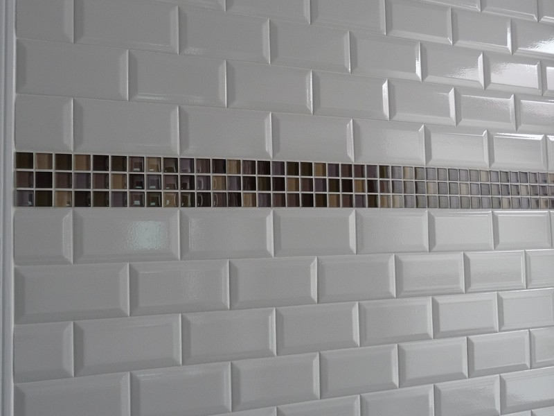 Bathroom Subway Tile Accent
