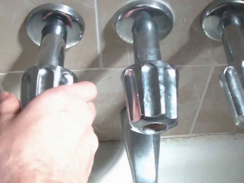 Bathroom Tub Faucet Dripping