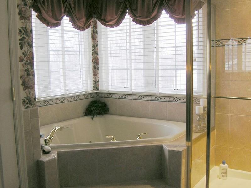 Bathroom Valance