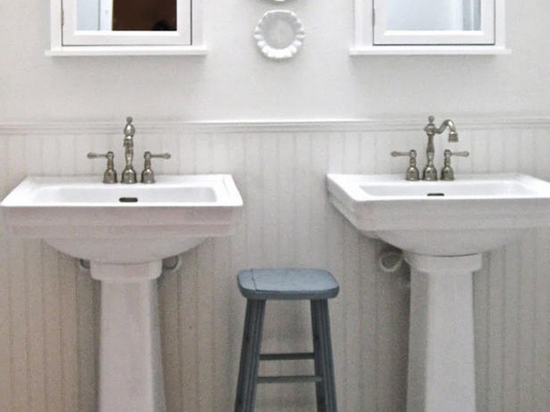 Bathroom With Pedestal Sink Pictures