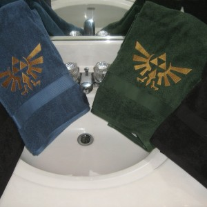 Black And Gold Bath Towels