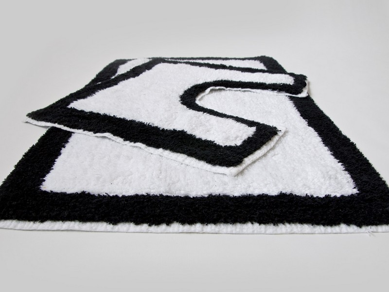 Black And White Bath Rug Set