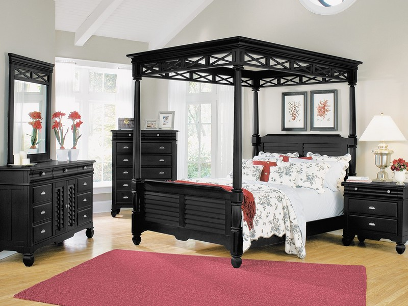 Black Canopy Bedroom Set