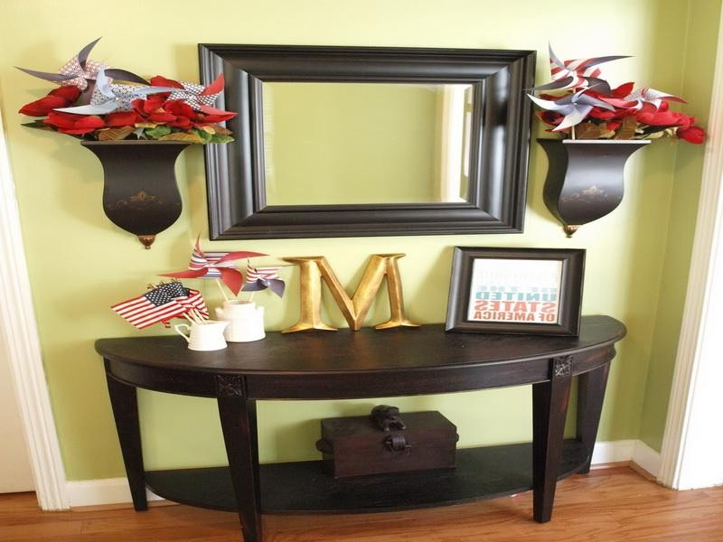 Black Entryway Table Decor