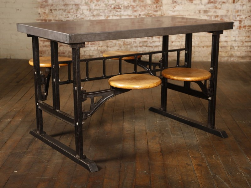 Breakfast Table With Stools Underneath