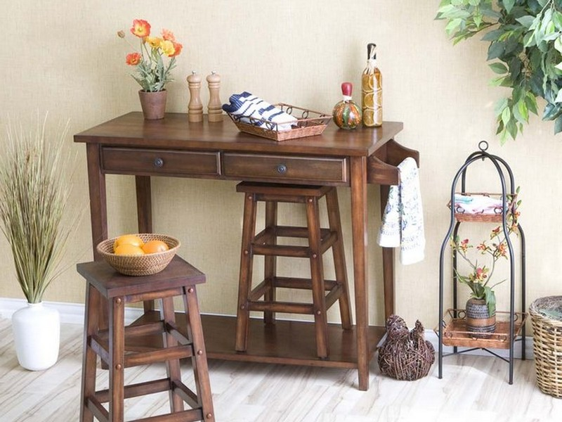 Breakfast Table With Stools