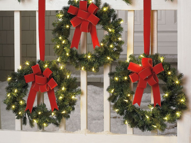 Christmas Wreaths For Windows