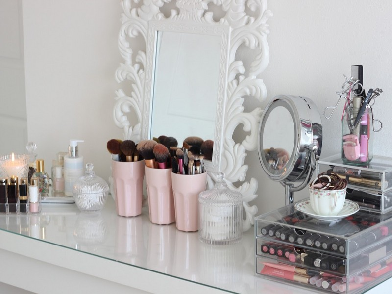 Clear Makeup Vanity Table
