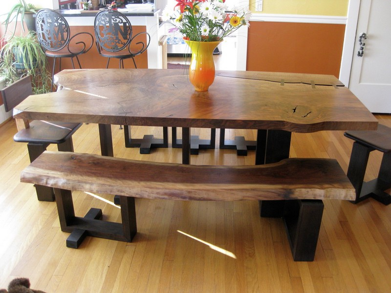 Corner Bench Style Dining Tables