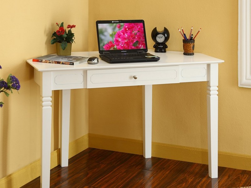 Corner Desks For Small Rooms