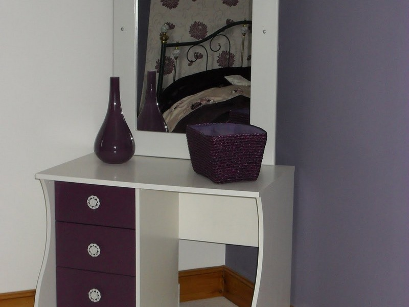 Corner Dressing Table Designs