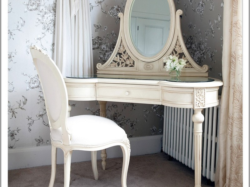 Corner Dressing Table Ideas