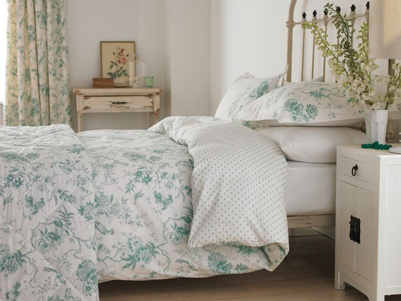 Cottage Style Bedding And Curtains
