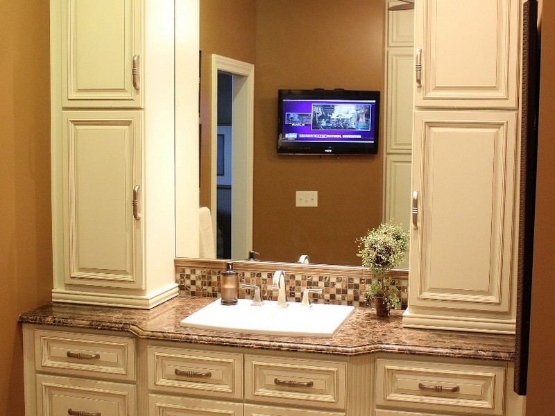 Country Bathroom Vanities And Cabinets