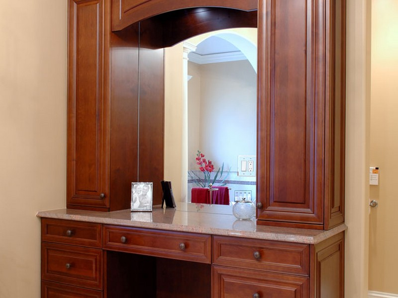 Custom Wood Bathroom Vanities