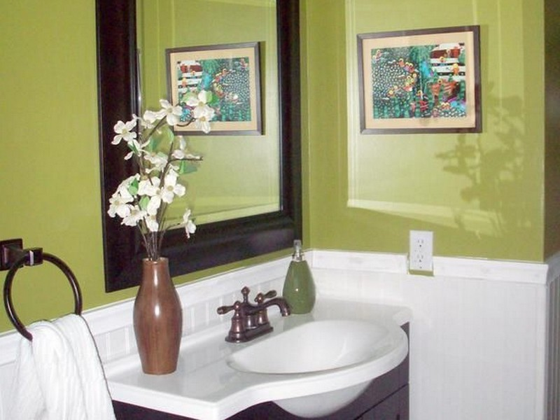 Decorating Ideas For Bathrooms Colors