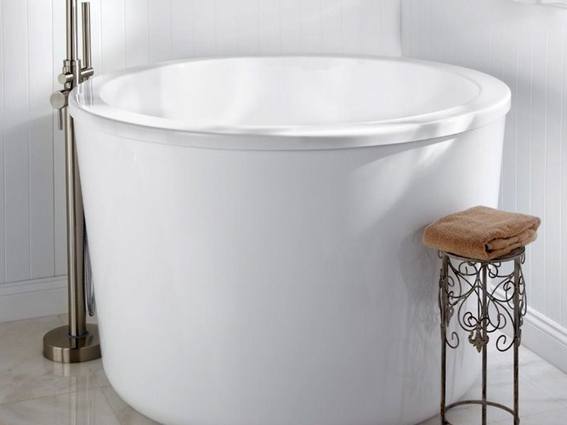 Beautiful Japanese Soaking Tubs For Small Bathrooms White Color Modern Faucet