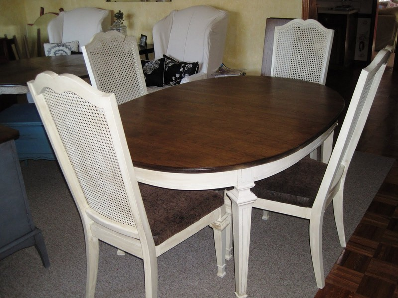 Dining Room Tables With Wicker Chairs