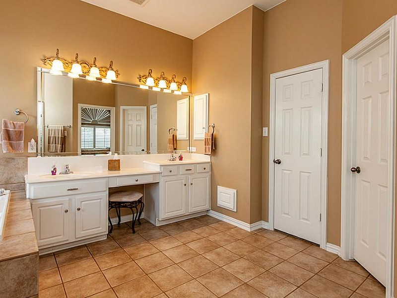 Double Sink Bathroom Vanity With Makeup Table Home Design Ideas