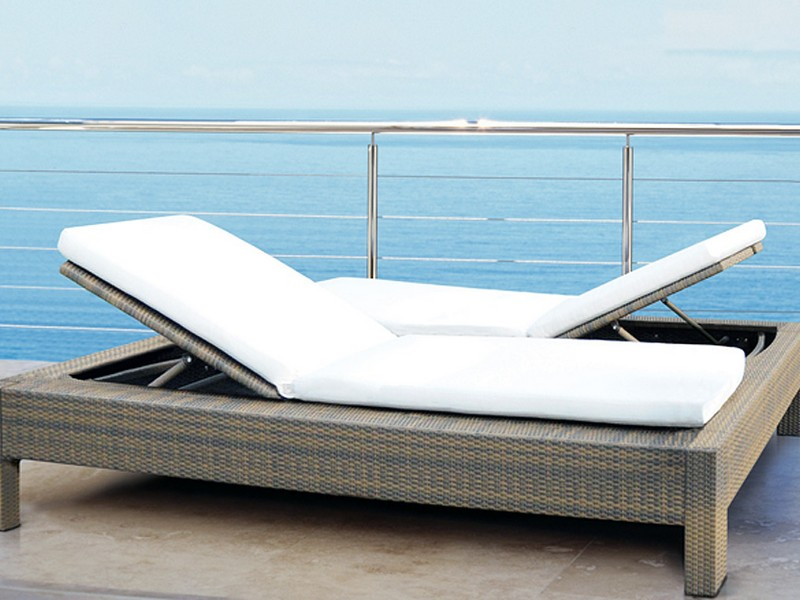 Mezzo Outdoor Double Chaise Lounge