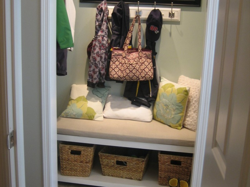 Entryway Organizer With Hooks