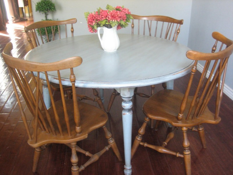 Ethan Allen Round Dining Table