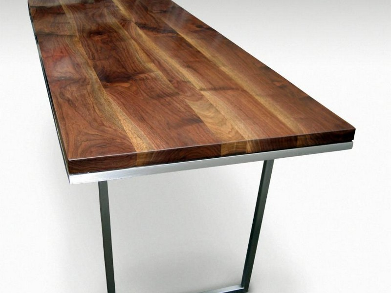 Farmhouse Table With Metal Legs
