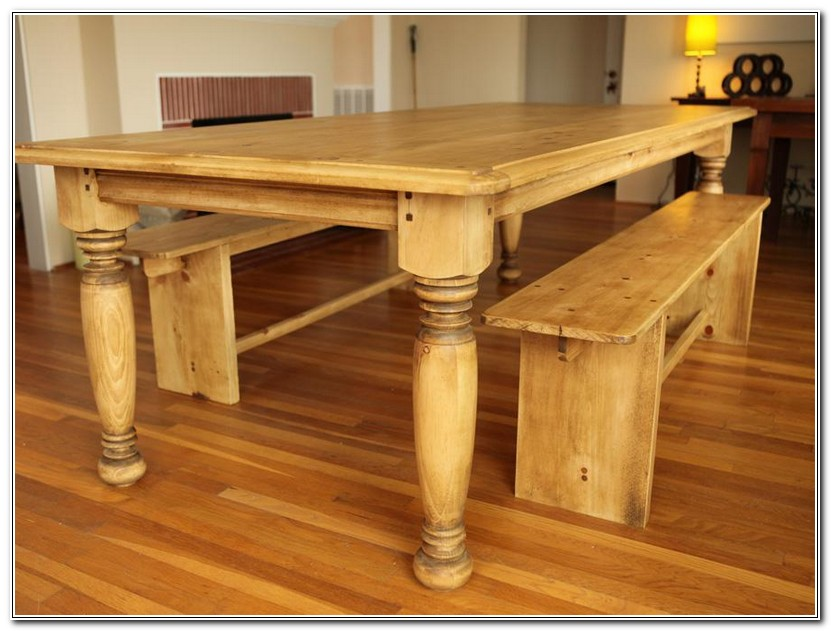 Farmhouse Table With Turned Legs