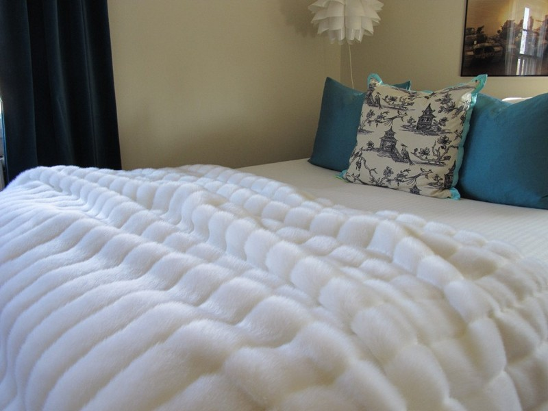 Faux Fur Blanket Queen Size