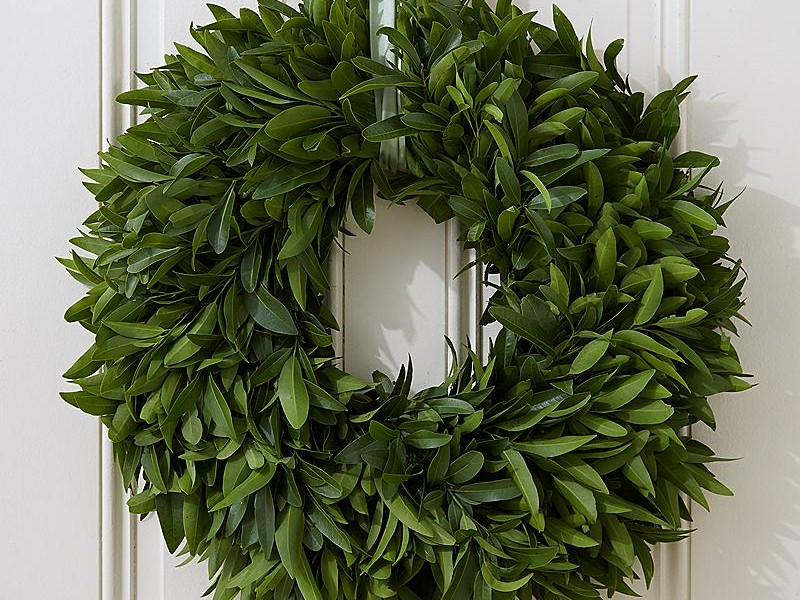 Fresh Magnolia Leaf Garland