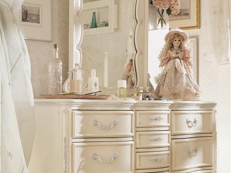 Girls White Dresser With Mirror