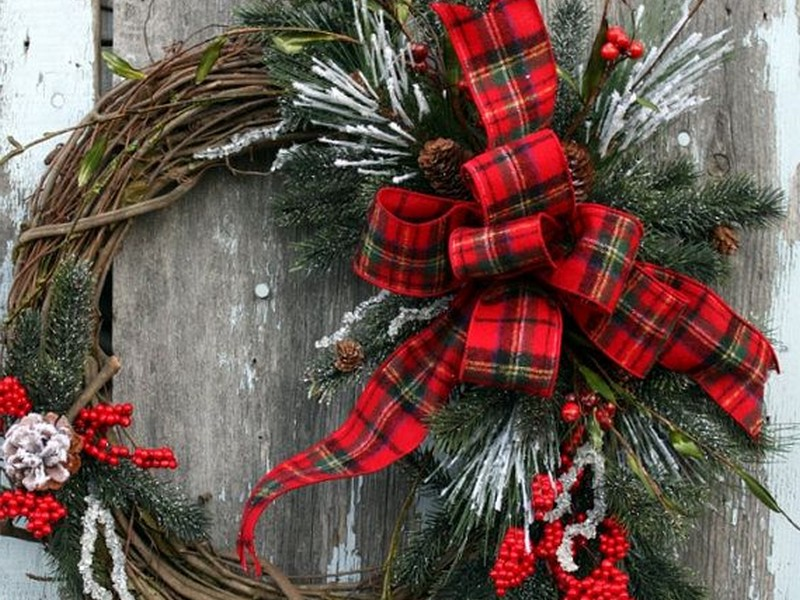Holiday Grapevine Wreath Ideas