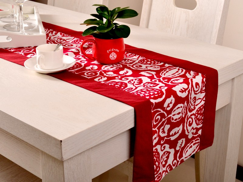 Holiday Table Runners