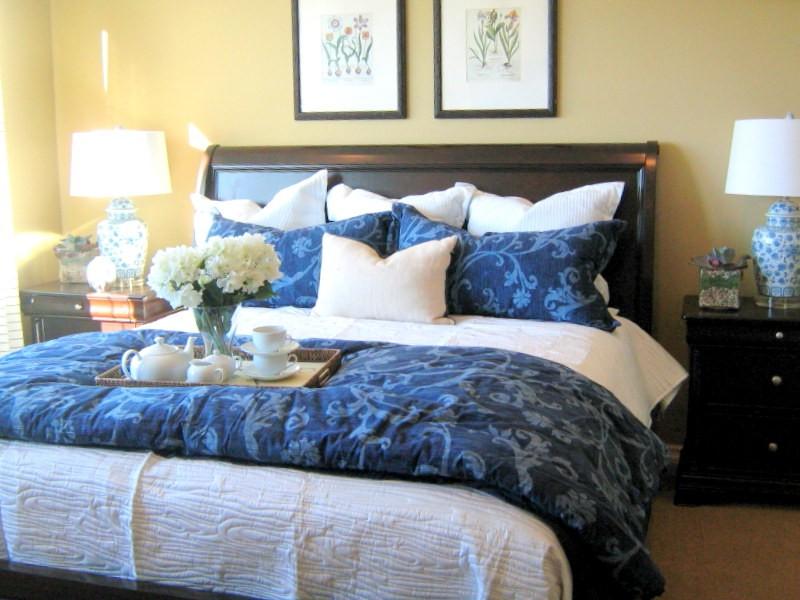 Home Goods Pillows Throws