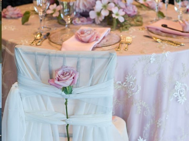 Lace Table Linens For Weddings