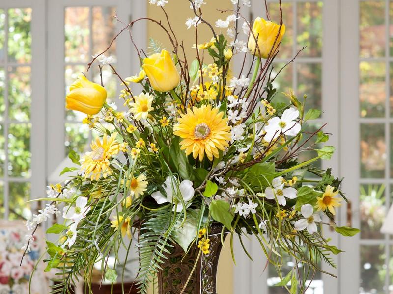 Large Floral Arrangements For Home