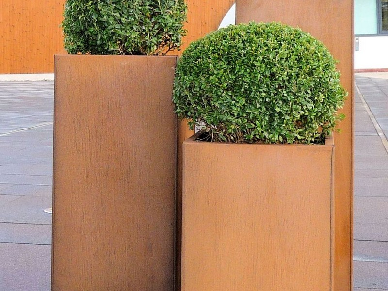 Large Metal Planters Uk