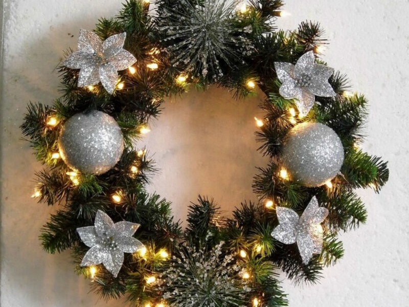 Large Outdoor Lighted Wreath