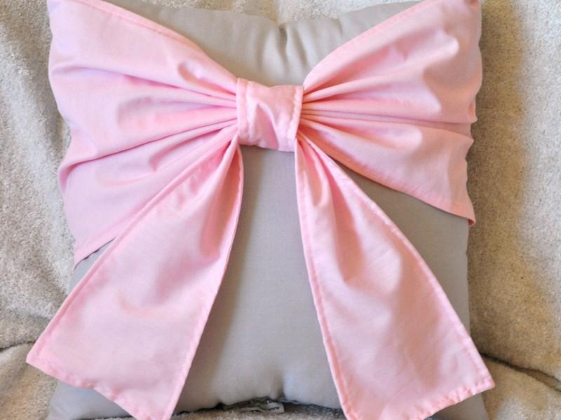 Light Pink Throw Pillows