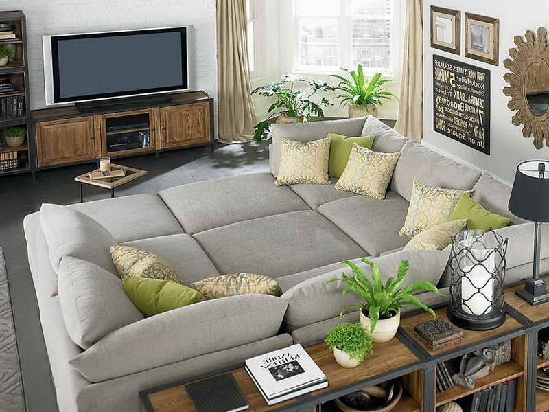 Living Rooms With Sectionals