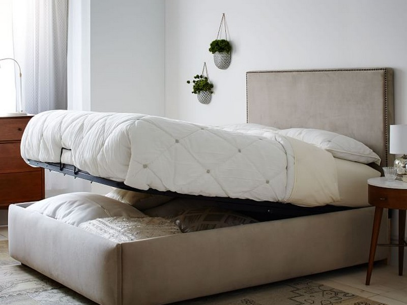 Lounge Upholstered Full Bed