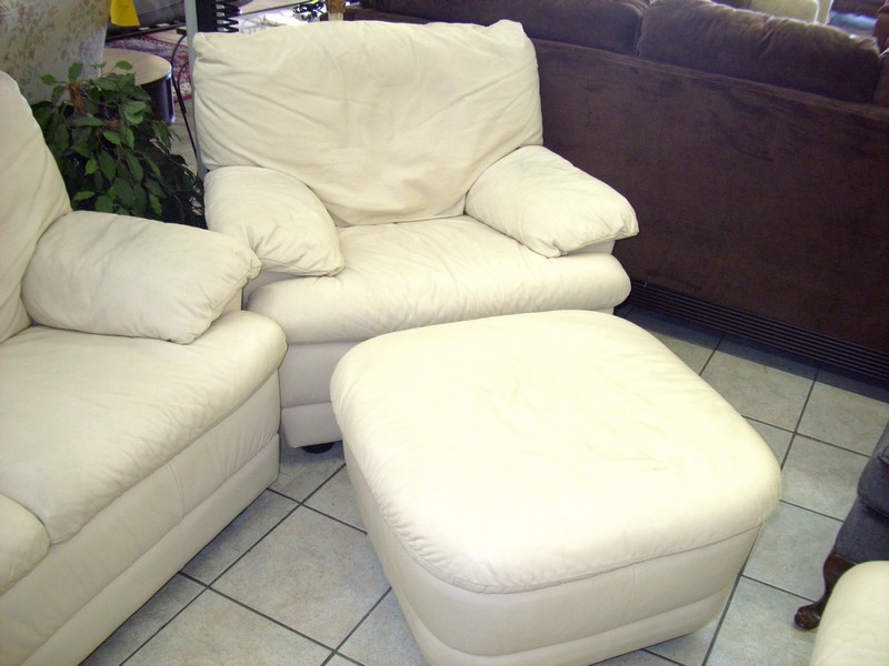 Loveseat With Ottoman