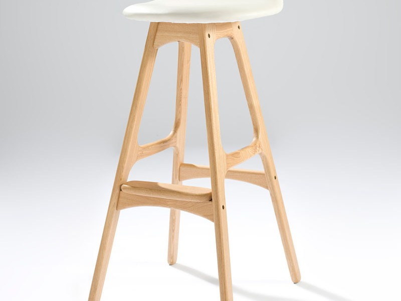 Maple Bar Stools With Leather Seats