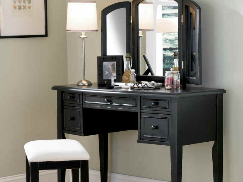 Mirrored Bedroom Vanity