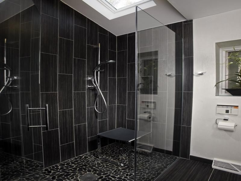 Modern Bathroom Shower Tile Designs