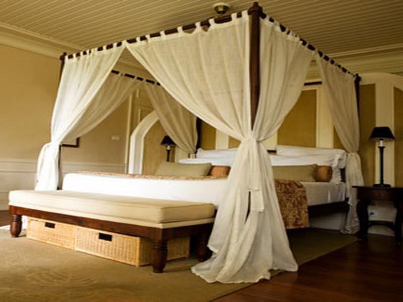 Modern Canopy Bedroom Sets