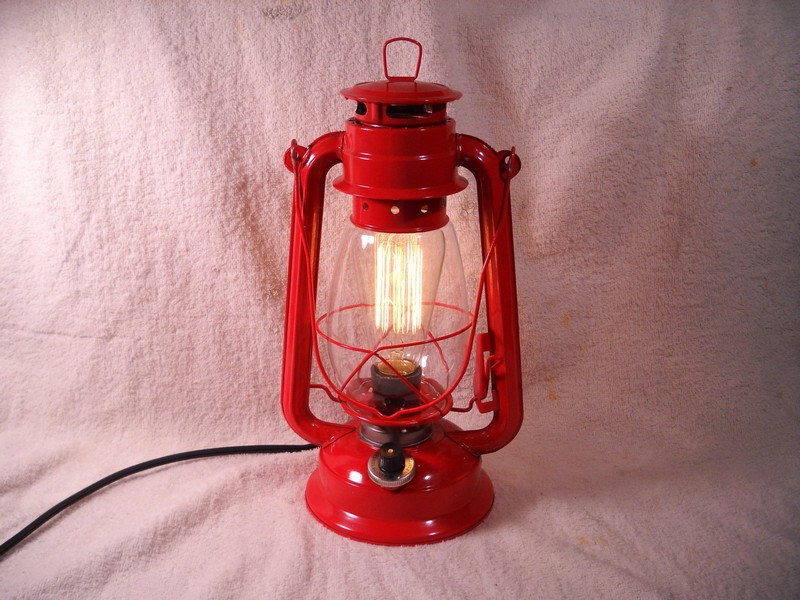 Old Fashioned Lanterns Electric
