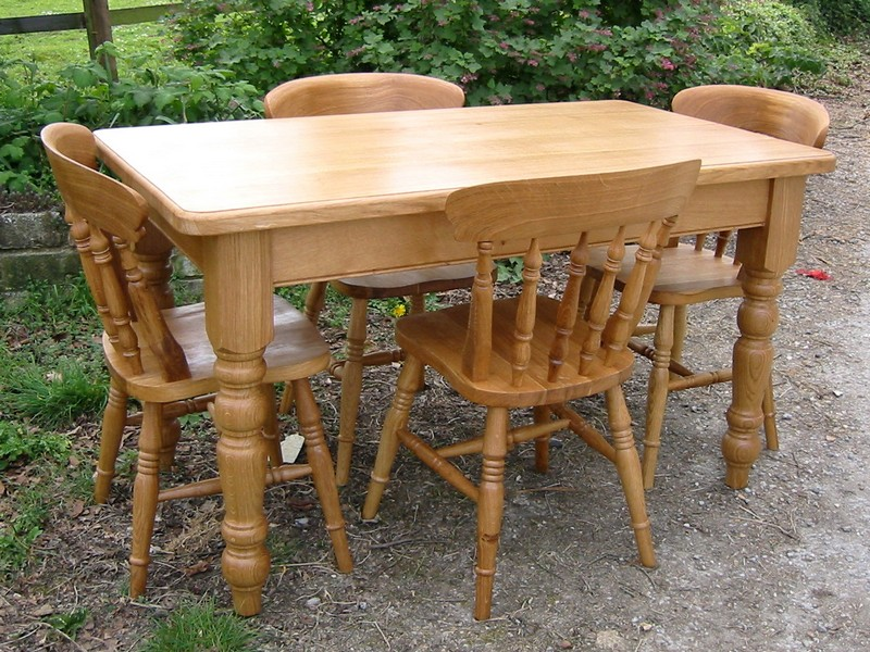 Outdoor Farmhouse Table And Chairs