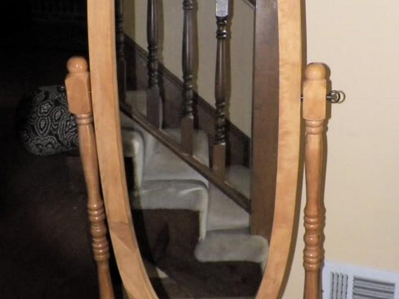 Oval Floor Mirror With Jewelry Storage